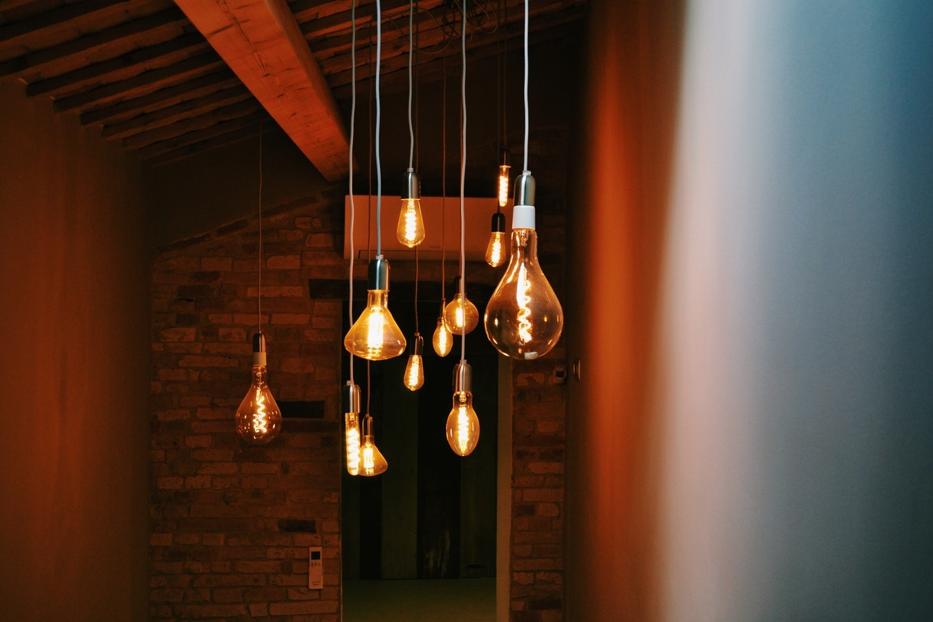 Illuminazione Per Zona Giorno : Come arredare con la luce idee per l illuminazione d interni